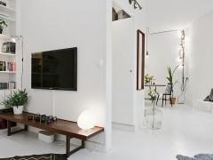 白色平开铝木复合门窗图片